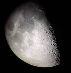 luna_r90_910_20180917_210705_039x.jpg