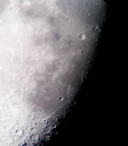 luna_r90_910_20180919_232707_113x_centru.jpg
