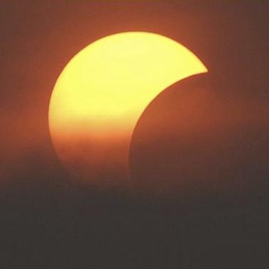 Eclipsa partiala de soare din 4 ianuarie 2011