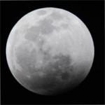 eclipsa de luna prin penumbra